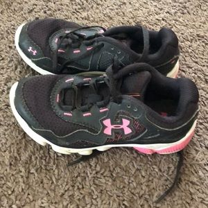 Under armor girls shoes